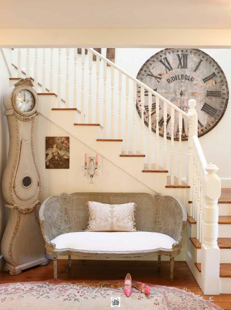 8 formas originales para decorar una pared forja hispalense - Relojes para decorar paredes ...