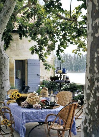Mesas de forja para jardin latest sillas de exterior ikea for Mesas de terraza y jardin baratas