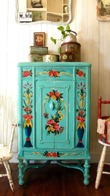 Estilo bohemio para los muebles de entrada for Muebles rosas